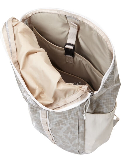 The Indestructible Woman's Backpack - 23L: Image 3