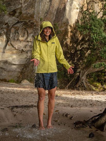 Go Cumulo Rain Jacket: Model Image