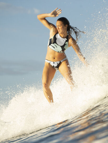 Tidal Reversible Bikini Bottom - Capitola/Navy: Model Image