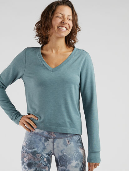 Manresa V Neck Pullover: Model Image