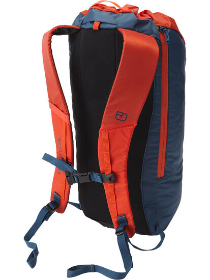Fly Daypack: Image 2