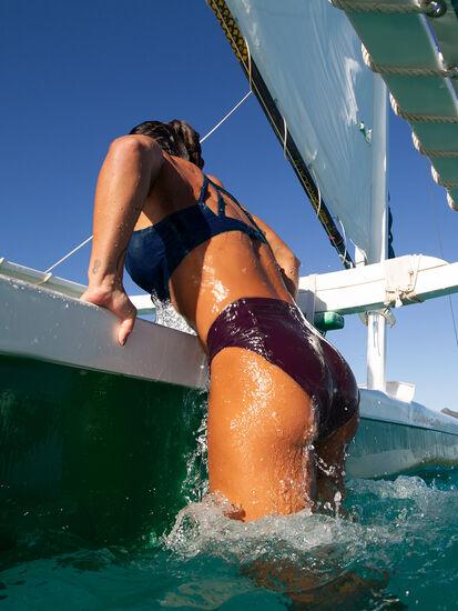 Francie High Waisted Bikini Bottom - Solid: Image 4