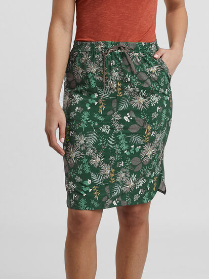 Winnow Woven Skirt: Model Image