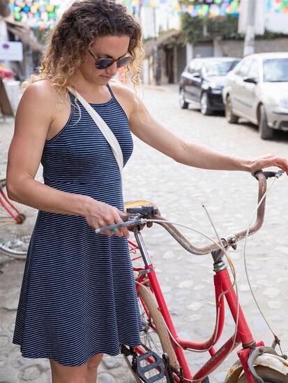 Svelte Samba Dress: Image 3