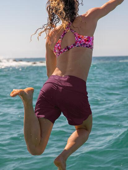 Demands Long Board Shorts: Model Image