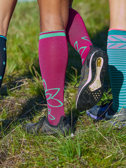 On The Trot Compression Socks - Om